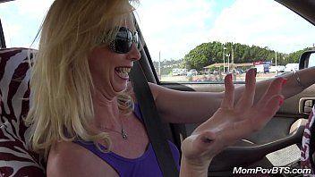 Xvideos coroa exibicionista coloca garotão pra gravar enquanto ela se mostra