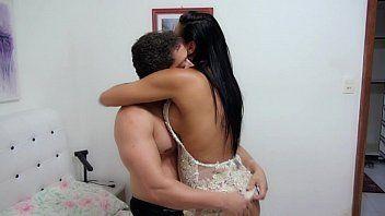 Brasileiro safado comendo a moreninha tesudo que ama mamar em pintos enormes
