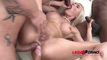 Ana julia atriz porno fudendo com dois
