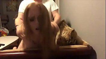 Filmando enquanto faz sexo bem gostoso com loirinha