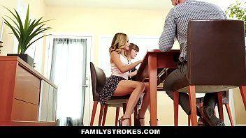 Mofos padrasto rolundo colocando sua enteada para chupar a piroca