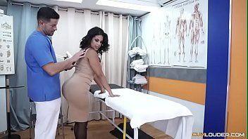 Mulher da bunda grande bem gostosa transando com medico