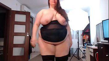 Mulher gorda pelada mostrando o cu na web