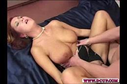Xvideos com a peituda gostosa que adora dar o rabo.